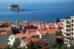Adriatiskt havkust, Petrovac stad arkivfoton