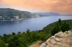 Adriatycki wybrzeże na zmierzchu obraz royalty free