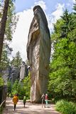 Adrspach, Δημοκρατία της Τσεχίας - 13 Ιουλίου 2017: Adrspasske Skaly, δύσκολο πόλης εθνικό πάρκο στοκ φωτογραφίες με δικαίωμα ελεύθερης χρήσης
