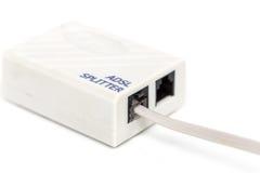 ADSL-Teiler lokalisiert auf Weiß Lizenzfreies Stockbild