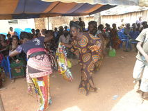 Aduana africana del akan en país Fotos de archivo libres de regalías