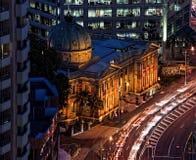 Aduanas de Brisbane en la noche Fotos de archivo