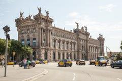 Aduanas del edificio en el puerto de Barcelona Fotos de archivo