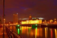 Aduanas en la noche en Dublín Fotos de archivo