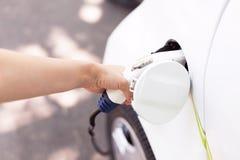 Ładuje bateria elektryczny pojazd Zdjęcie Royalty Free