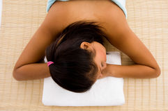 adult beautiful resting towel woman Στοκ εικόνα με δικαίωμα ελεύθερης χρήσης