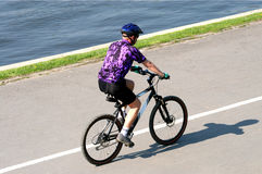 Free Adult Man Riding On Mountain Bicycle Stock Images - 356804