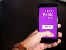 Adulti soltanto app del chat room fotografie stock libere da diritti