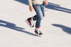 Adulto en la pista de hielo Fotos de archivo libres de regalías
