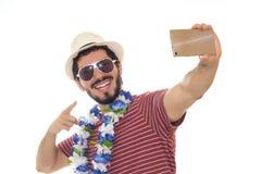 Adulto joven que toma un selfie Imagenes de archivo