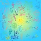 Adultos novos Desenhos da mão de símbolos das vagas do verão Barcos coloridos da garatuja, gelado, palmas, chapéu, guarda-chuva,  Imagens de Stock