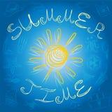 Adultos novos Desenhos da mão de símbolos do verão e de Sun amarelo no azul Foto de Stock Royalty Free