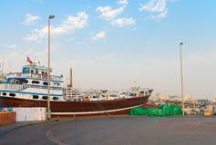 Ładunku port w Dubaj zatoczce, Zjednoczone Emiraty Arabskie Fotografia Stock