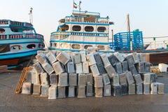 Ładunku port w Dubaj zatoczce, Zjednoczone Emiraty Arabskie Obraz Stock