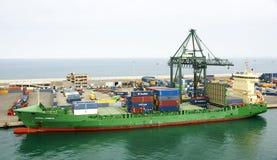 Ładunku statek na molu port Obrazy Royalty Free