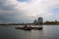 Ładunku statek na Rhine Zdjęcie Stock