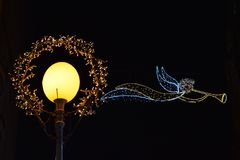 Advenimiento en Zagreb, Croacia, decoración de la calle en el tiempo de la Navidad Fotografía de archivo