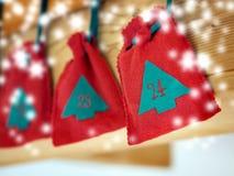 Advent Calendar mit Schnee Stockfotografie