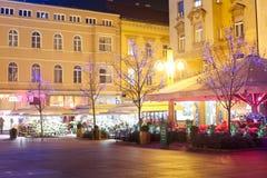 Advent på den Cvjetni fyrkanten i Zagreb Arkivfoto