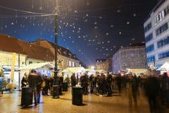Advent på européfyrkant i Zagreb Arkivbilder
