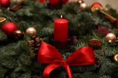 Advent Season, cuatro velas de quema Imagen de archivo libre de regalías