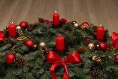 Advent Season, quatre bougies de combustion Photos stock