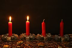 Advent Season, quatre bougies de combustion Photo libre de droits