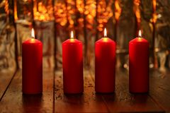 Advent Season, quatro velas de queimadura Fotografia de Stock