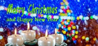 Advent Wreath avec le Joyeux Noël des textes photographie stock libre de droits