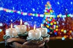 Advent Wreath com velas de BurniÃng Foto de Stock Royalty Free