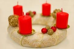 Advent Wreath de oro Imágenes de archivo libres de regalías