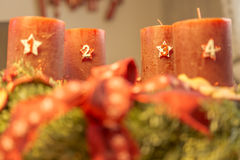 Adventkrans - tredje advent Royaltyfri Bild