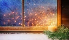 1 Advento, decorações da janela Foto de Stock