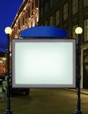 Adverteer citylight met duidelijke advertentieplaats Stock Afbeelding