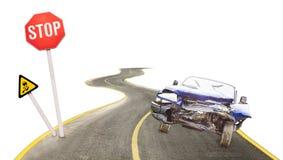 Advertencia del accidente con las muestras de la barra y el coche arruinado Imagenes de archivo