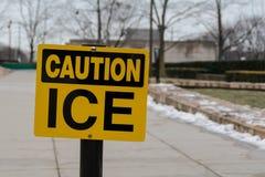 Advertencia del hielo de la precaución Foto de archivo libre de regalías