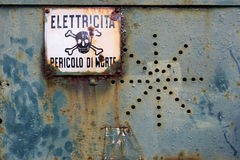 Advertencia del peligro Muestra y símbolo Imagen de archivo libre de regalías