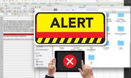 advertencia interrumpida conexión y Atte de la alarma de la atención del ordenador Foto de archivo libre de regalías
