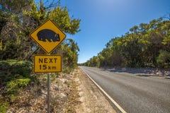 Advertencia: Muestra de la travesía del wombat Imágenes de archivo libres de regalías