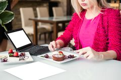 Advertisement e-commerce food blogger concept Royalty Free Stock Photo