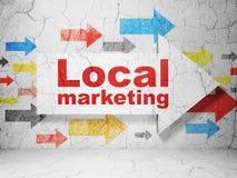 Advertizingbegrepp: pil med lokal marknadsföring på grungeväggbakgrund Royaltyfria Bilder