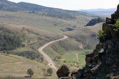 Advierta el talud, la cuesta de las colinas Fotos de archivo