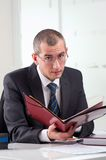 Advocaat op zijn werkplaats Royalty-vrije Stock Foto's