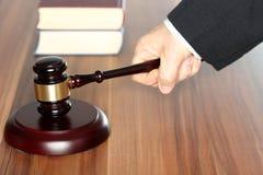 Advogado com livros Fotos de Stock