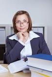 Advogado fêmea com livros Imagens de Stock