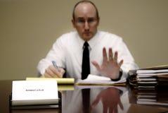 Advogado na mesa Fotografia de Stock Royalty Free