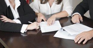 Advokater som förbereder ett fall Arkivbilder