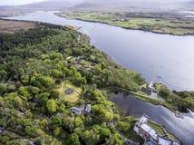 Aearial tiró la isla de Dunvegan del lago del paisaje de Skye Scotland Great Britain 3 Imagen de archivo libre de regalías