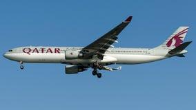 A7-AEB卡塔尔航空,空中客车A330-300 库存图片
