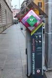 AED in een straat stock foto